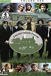 Emmerdale Farm Episode #1.395 (1972– ) Online