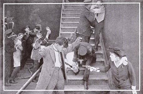 The Affair of the Deserted House (1915) Online
