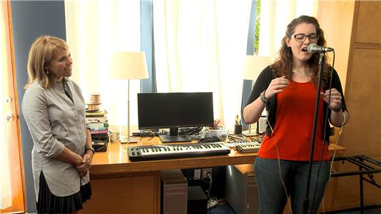 Yahoo: World 3.0 - Deaf Singer Experiences Her Own Music (2015) Online