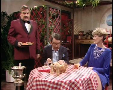 The Two Ronnies Episode #11.5 (1971–1987) Online